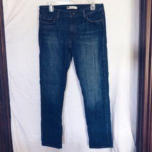 Levi's straight cut jean